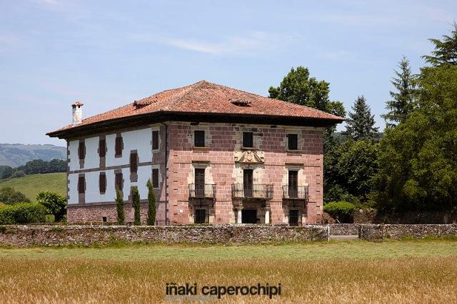 Palacio de Jarola, Elbete, Valle del Baztan, Navarra (Nafarroa), España (Spain)