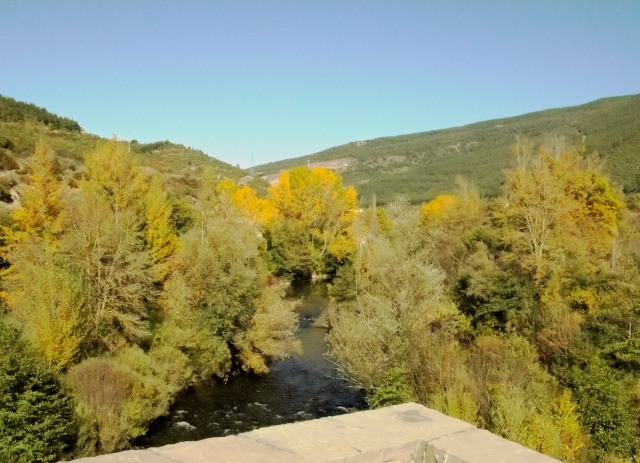 Desde el puente de Aóiz